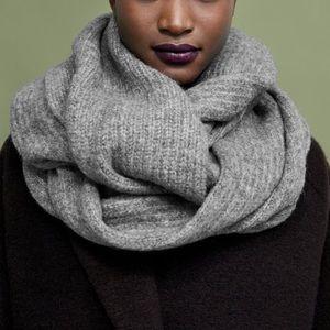 Zara special edition grey knit scarf